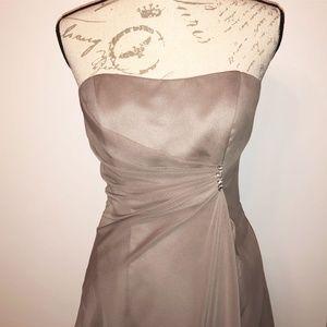 Raylia Grey Sweetheart dress, criss cross back 8
